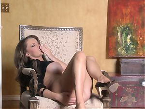 warm Jenna Presley frolicking with her delicious pink humid twat until she finishes off