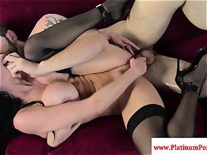 Veronica Avluv gets a throatful of jizz