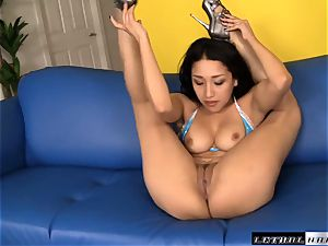supple fucker Vicki chase takes a total length filling