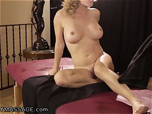 Krissy Lynn likes her paws Deep and hard