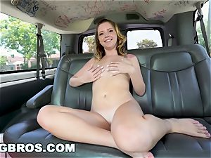 BANGBROS - Willow Winters rides The plumb Bus in Miami!