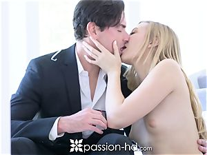 PASSION-HD Valentines day stairway edible intimate pulverize