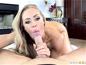 insatiable Nicole Aniston gets an vag creampie