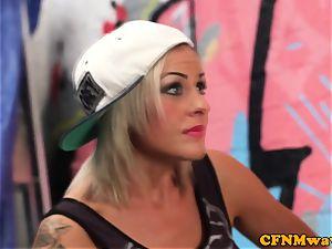 femdom street artist Lissa enjoy gives oral job