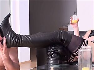 female dominance damsels order subs to munch their shoes