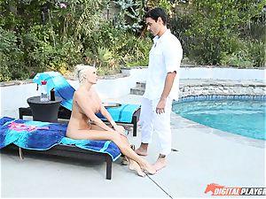 Brat Summer Brielle gets her slave to satisfy her vulva