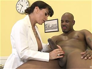 Lisa Ann killer cougar physician