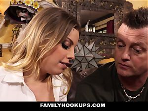 FamilyHookUps - blondie honey pulverizes Her Brother-In-Law