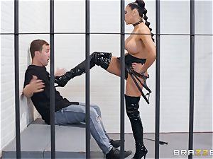 Audrey Bitoni railing on top