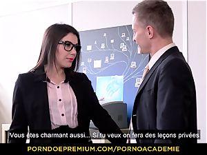 porno ACADEMIE - teacher Valentina Nappi MMF threeway