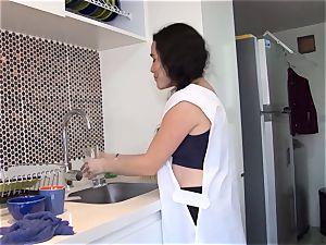 OPERACION LIMPIEZA - Latina maid oiled up and pounded