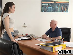 chick smashed by older stud Office deep-throat deep throat