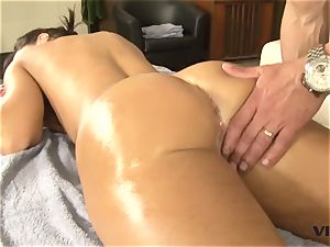 stellar cougar Lisa Ann has a taste for mexican meat