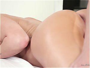 Carter Cruise seducing her hottest friend's sista