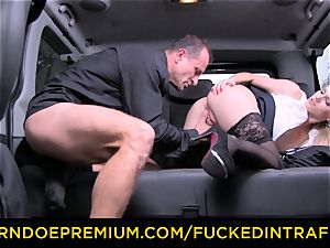 fucked IN TRAFFIC - fabulous light-haired pulverized in backseat