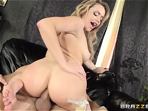 Mia Malkova gets her dancing backside penetrated to the nuts