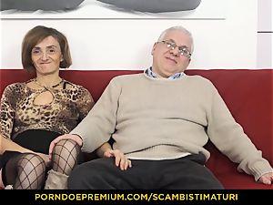 SCAMBISTI MATURI greedy mature fucked in wooly minge