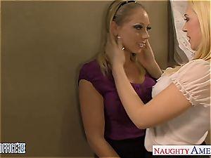 Blondes Kagney Linn Karter and Shawna Lenee porking
