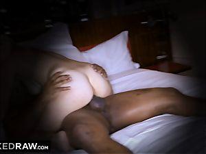 BLACKEDRAW wife sans hubby hotwife in motel
