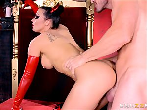 devilish brown-haired Rachel Starr rails Johnny Sins