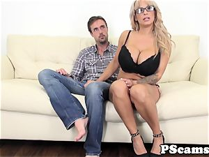 gigantic jugged web cam honey Alyssa Lynn cumswallows