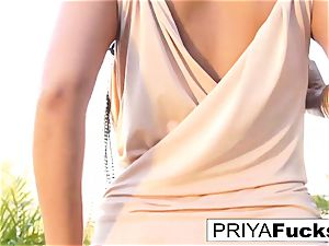 Backyard solo with Indian sex industry star Priya Rai